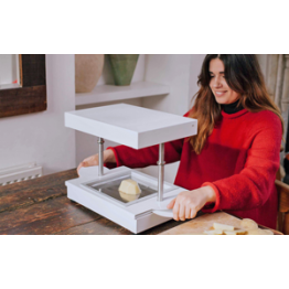 News - 2016051004 - FormBox brings a vacuum-forming factory to your home